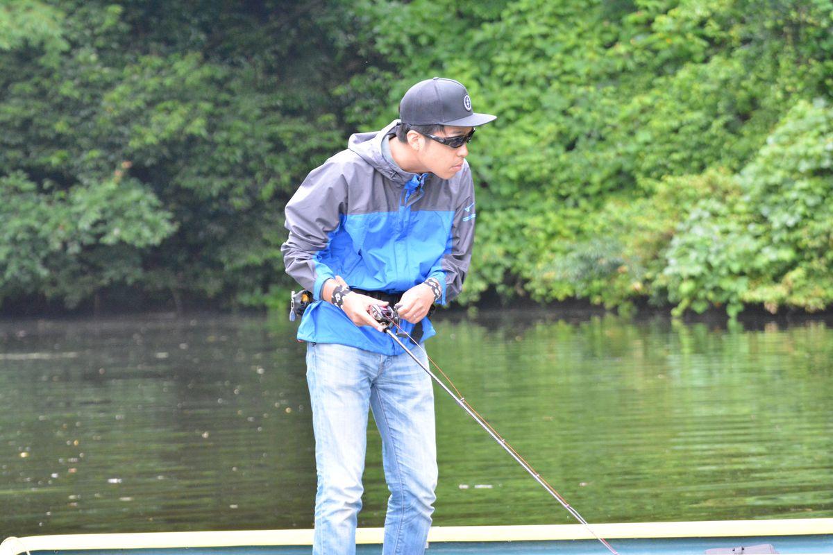 内山幸也先生に教わるフロッグテクニック:生徒のトゥイッチ