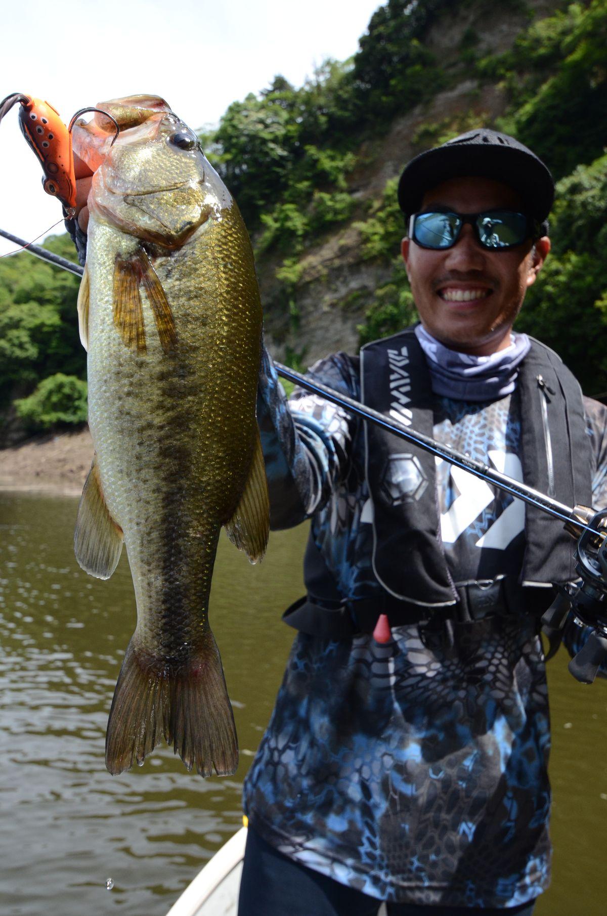 内山幸也先生に教わるフロッグテクニック:釣れた